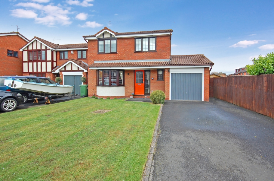 31 EARLSWOOD CRESCENT, Pendeford